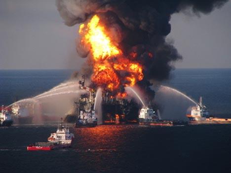 deepwater horizon on fire photo