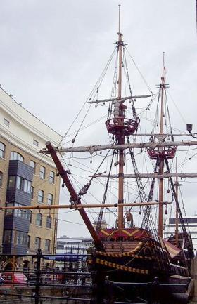 Image of Replica of the Golden Hinde  located in London, United Kingdom | Golden Hinde in London